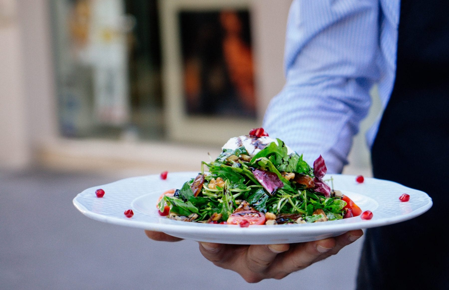 Waiter food service should know about allergens